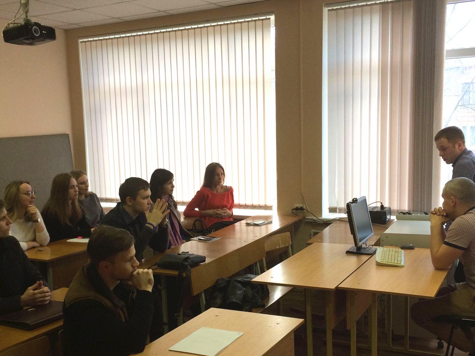 Выпускники ВШПМиЭ встретились со студентами
