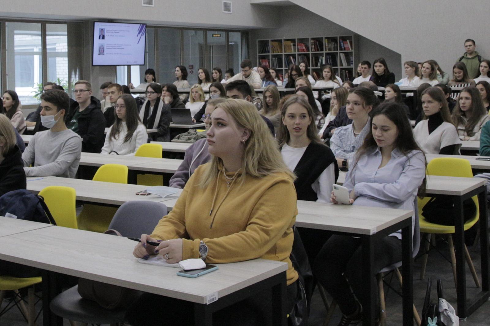 Встречаем  первых студентов ИПМЭиТ вечерней формы обучения бакалавриат