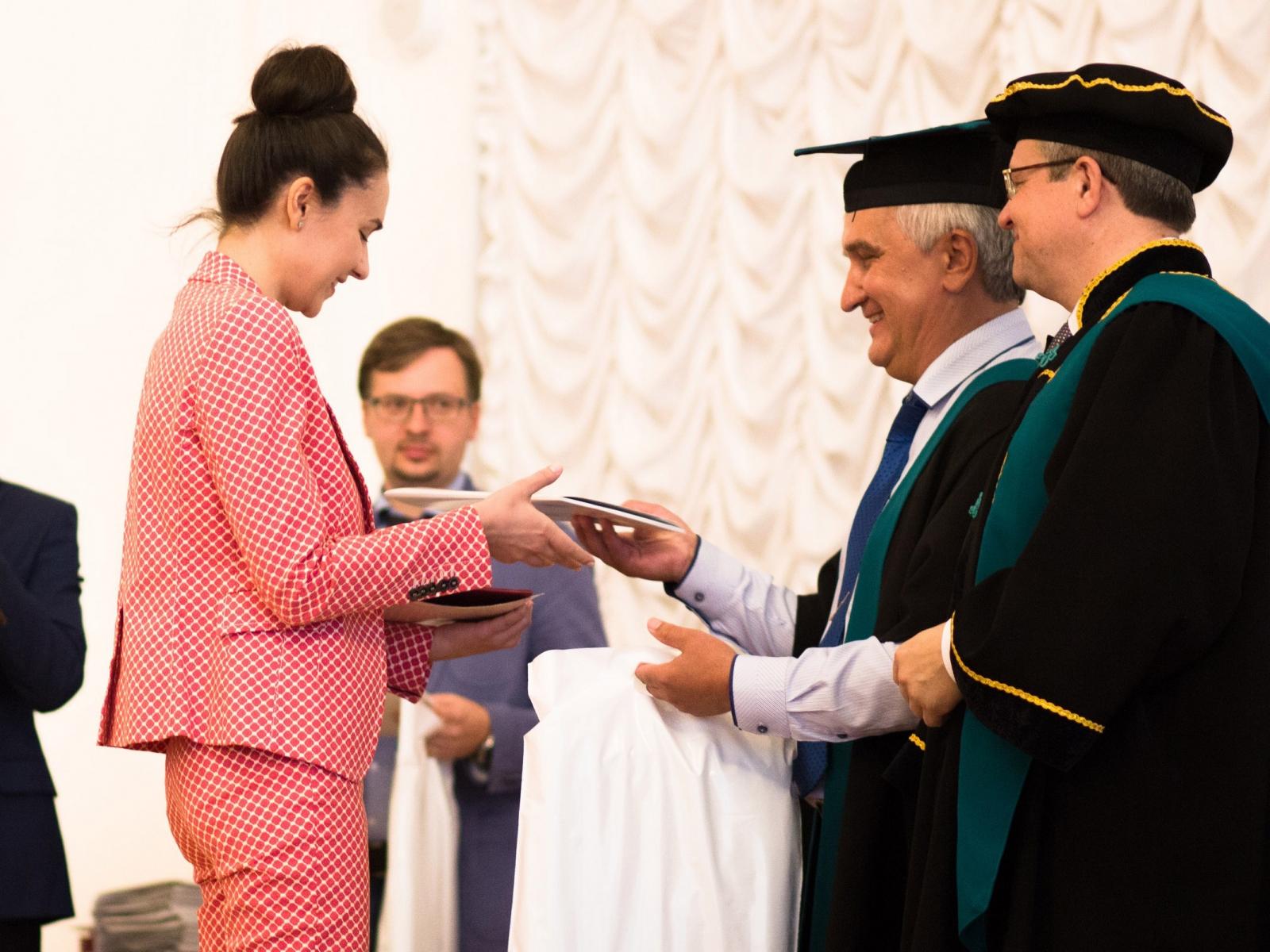 Первый выпуск аспирантов нового образовательного стандарта подготовки