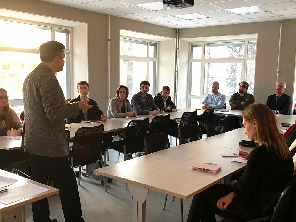 Директор ИПМЭиТ В.Э. Щепинин провел встречу с молодыми преподавателями