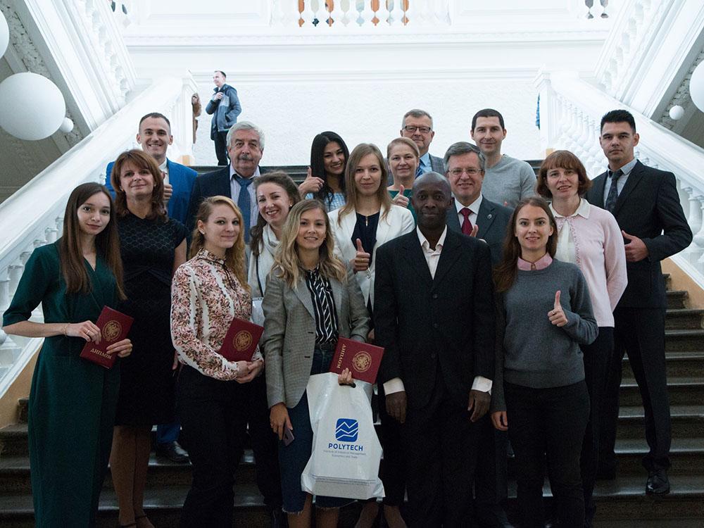 Вручение дипломов об окончании аспирантуры второму выпуску аспирантов СПбПУ