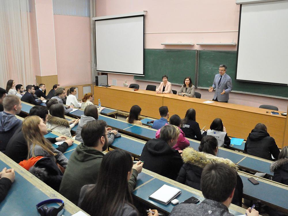 Директор ИПМЭиТ встретился со студентами
