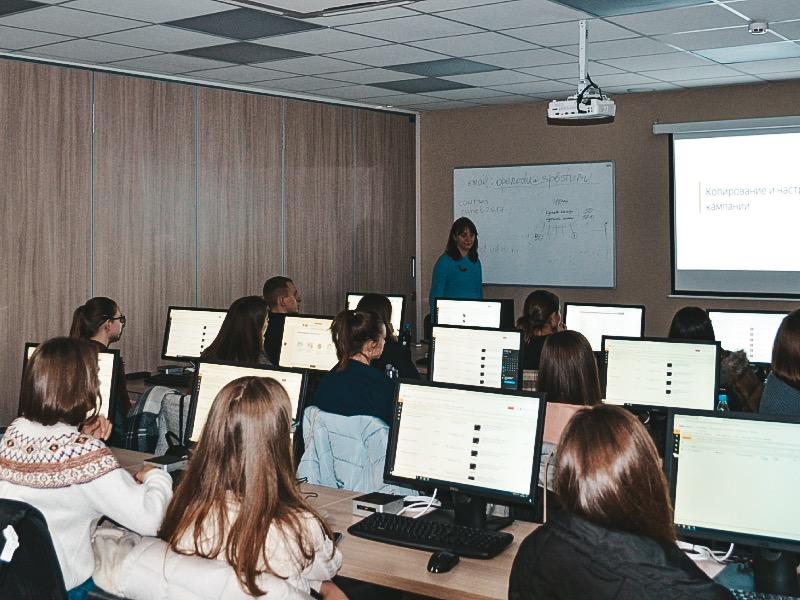 Яндекс провел мастер-класс для студентов ВШСТ